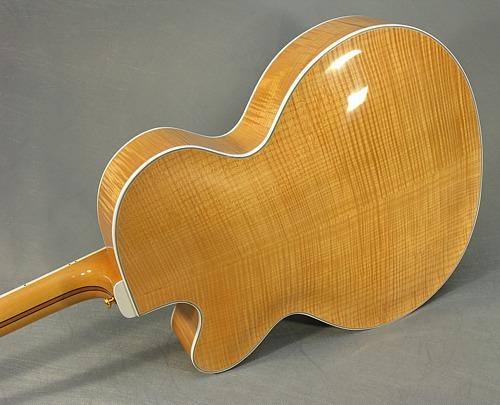 jazz2-Guitar-Luthier-LuthierDB-Image-17